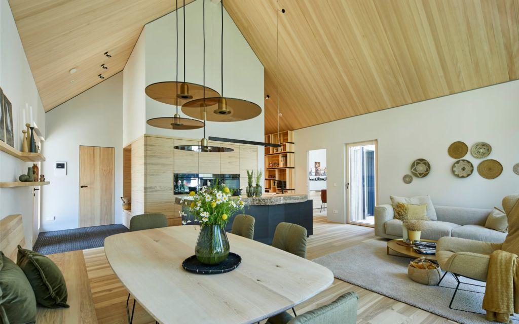 Baufritz Fellbach Freiraum mit Heimatlicht LED-Beleuchtung für Esstisch und Grundlicht im Wohnraum