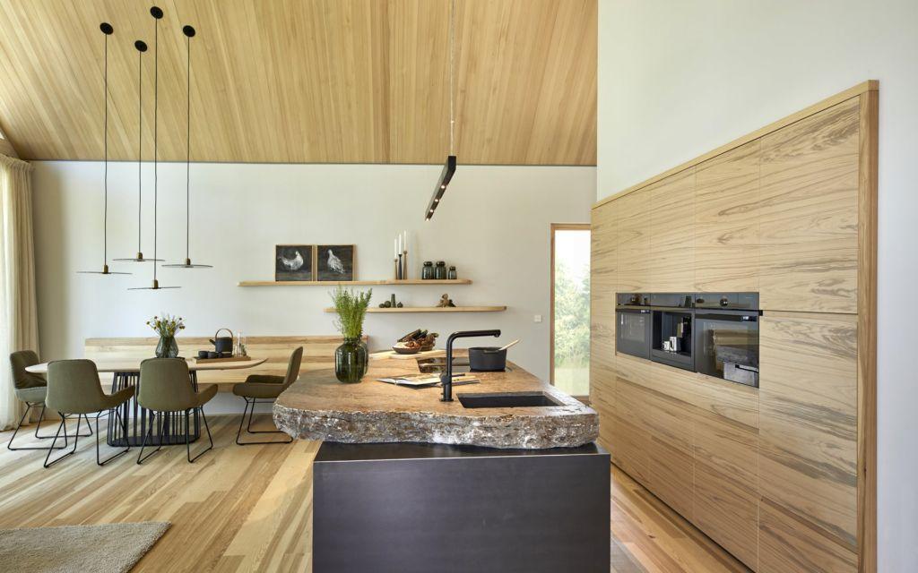 Baufritz Fellbach Freiraum mit Heimatlicht LED-Beleuchtung Küche, Arbeitsplatte
